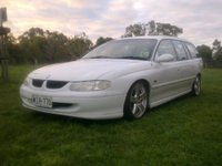 Picture of 1998 Holden Commodore, exterior