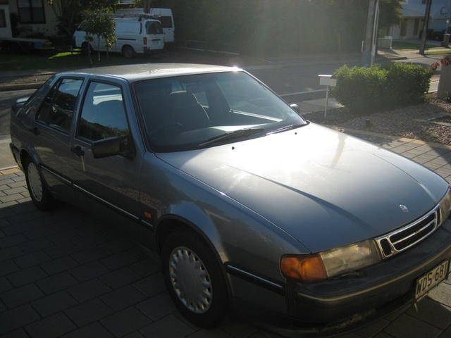 Picture of 1994 Saab 9000