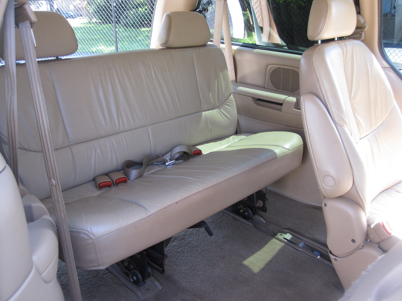 1998 chrysler town country pictures cargurus for 1999 chrysler town and country window problems
