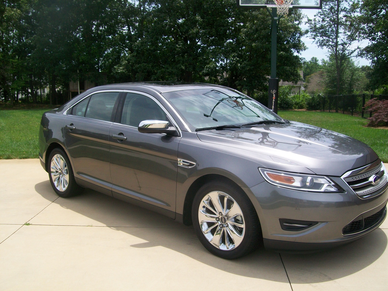 2008 ford taurus review ratings specs prices and photos. Black Bedroom Furniture Sets. Home Design Ideas