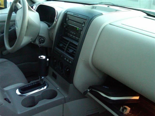 picture of 2006 ford explorer xlt v6 4wd interior - 2005 Ford Explorer Interior