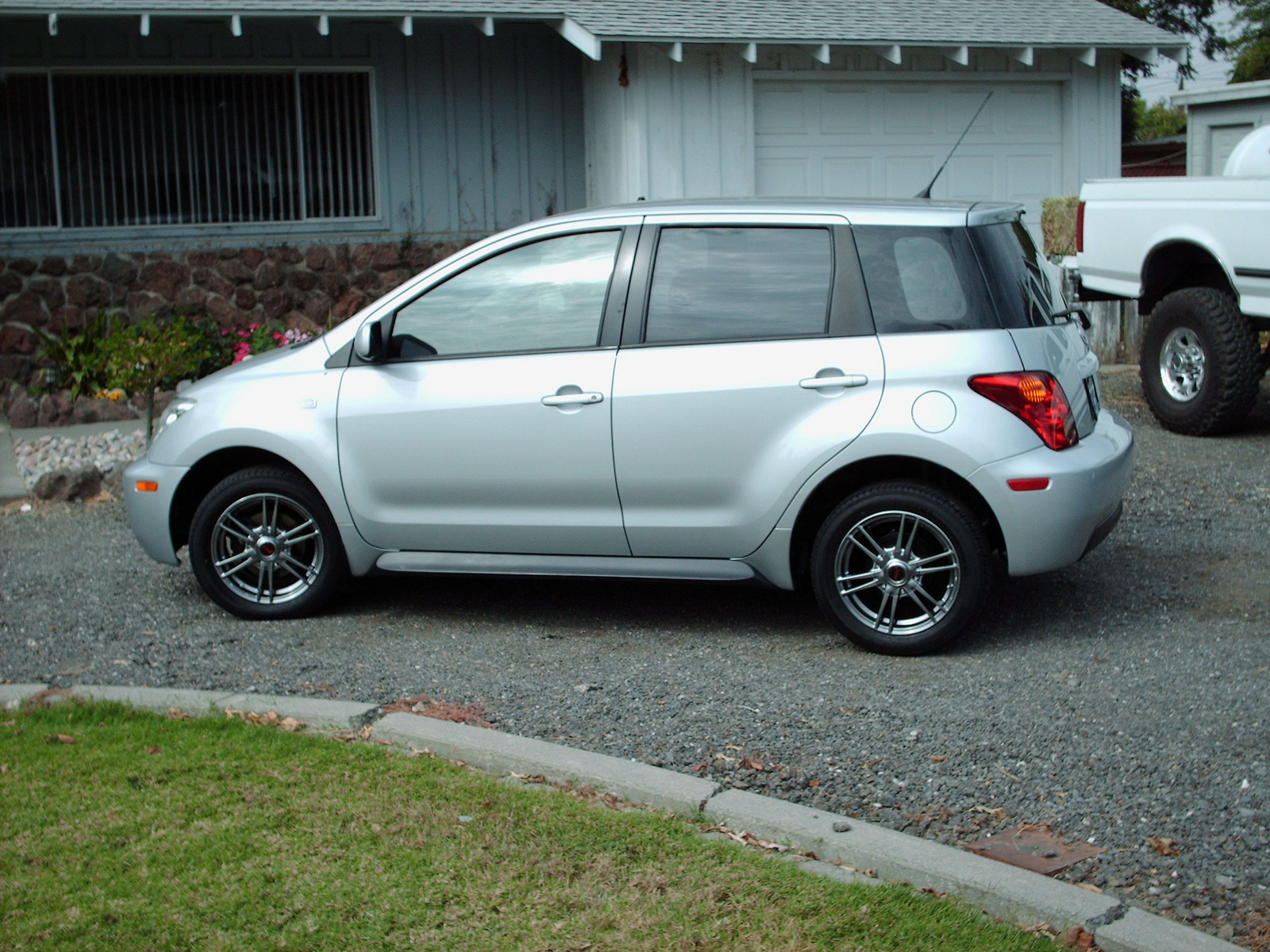 Selling cars scion xa in seattle inexpensive cars in your city