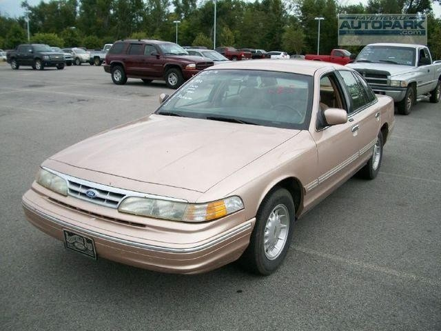 1996 Ford Crown Victoria Pictures Cargurus