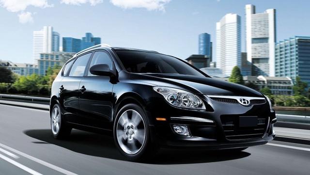 2012 Hyundai Accent, Front Right Quarter View (Hyundai Motors America), exterior, manufacturer