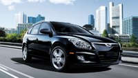 2012 Hyundai Accent, Front Right Quarter View (Hyundai Motors America), exterior, manufacturer