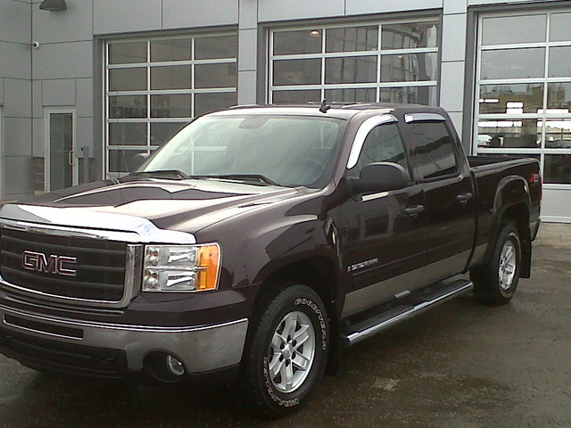 2009 GMC Sierra 1500 SLE Crew Cab 4WD, just off the show room floor, exterior, gallery_worthy