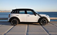 2012 MINI Countryman, Right Side View (BMW of North America, Inc.), exterior, manufacturer