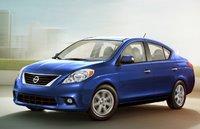 2012 Nissan Versa Picture Gallery
