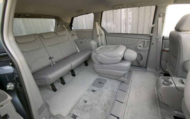 Delightful 2004 Toyota Sienna 4 Dr XLE Limited Passenger Van, Seats Fold Down And Can  Be Good Ideas