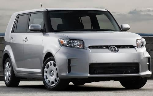 Front Quarter View (Toyota Motor Sales, U.S.A., Inc.)