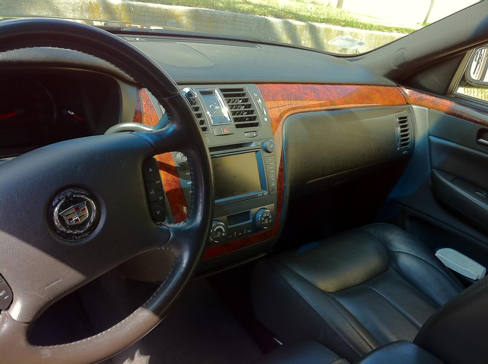 2007 Cadillac DTS - Interior Pictures - CarGurus
