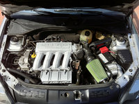 2004 Renault Clio picture, engine