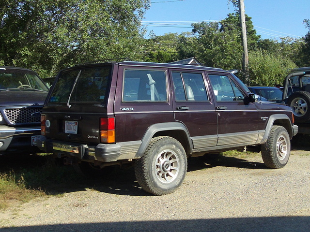 Picture of 1984 Jeep Cherokee