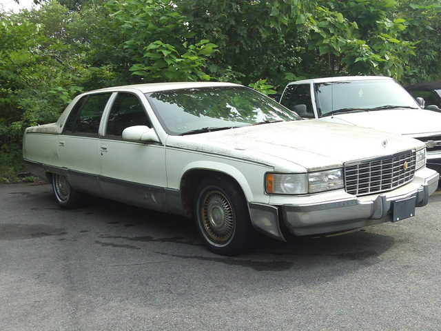 Picture of 1993 Cadillac Fleetwood