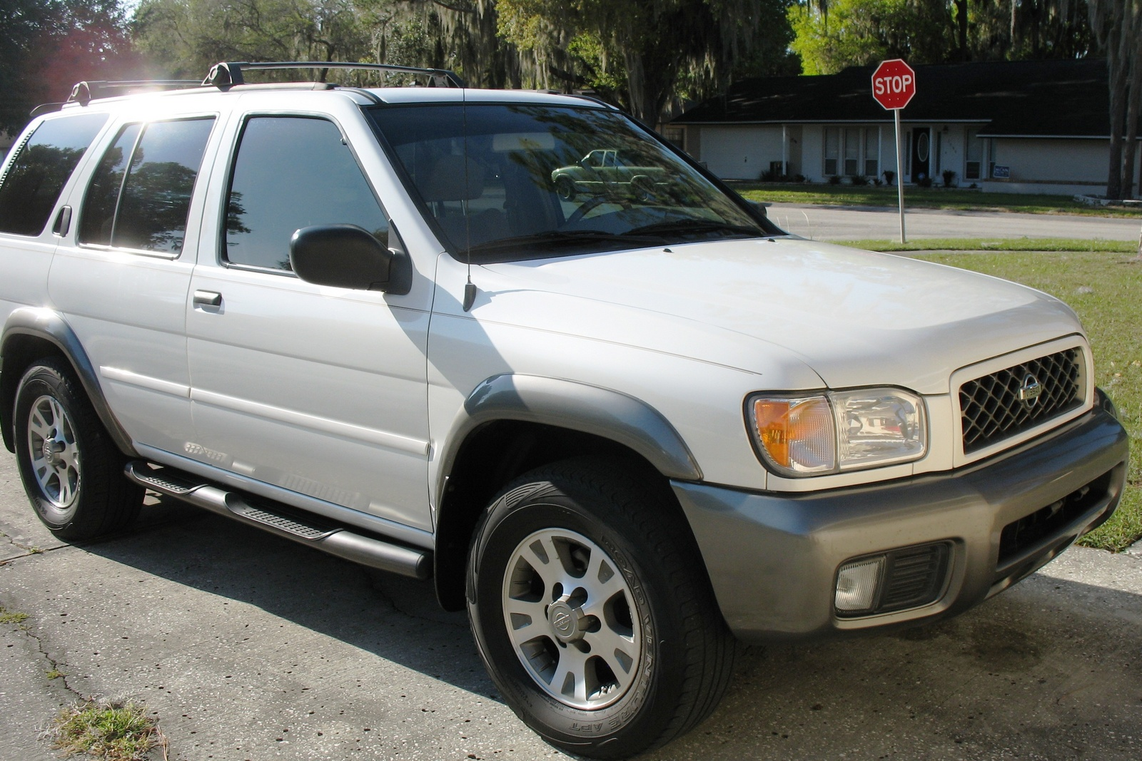 Toyota Highlander 2013 Price Picture of 2001 Nissan Pathfinder XE, exterior