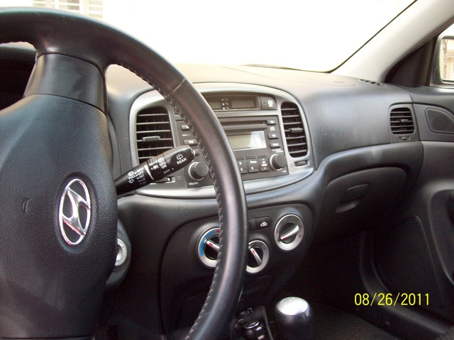 Picture of 2007 Hyundai Accent SE 2-Door Hatchback FWD, interior, gallery_worthy