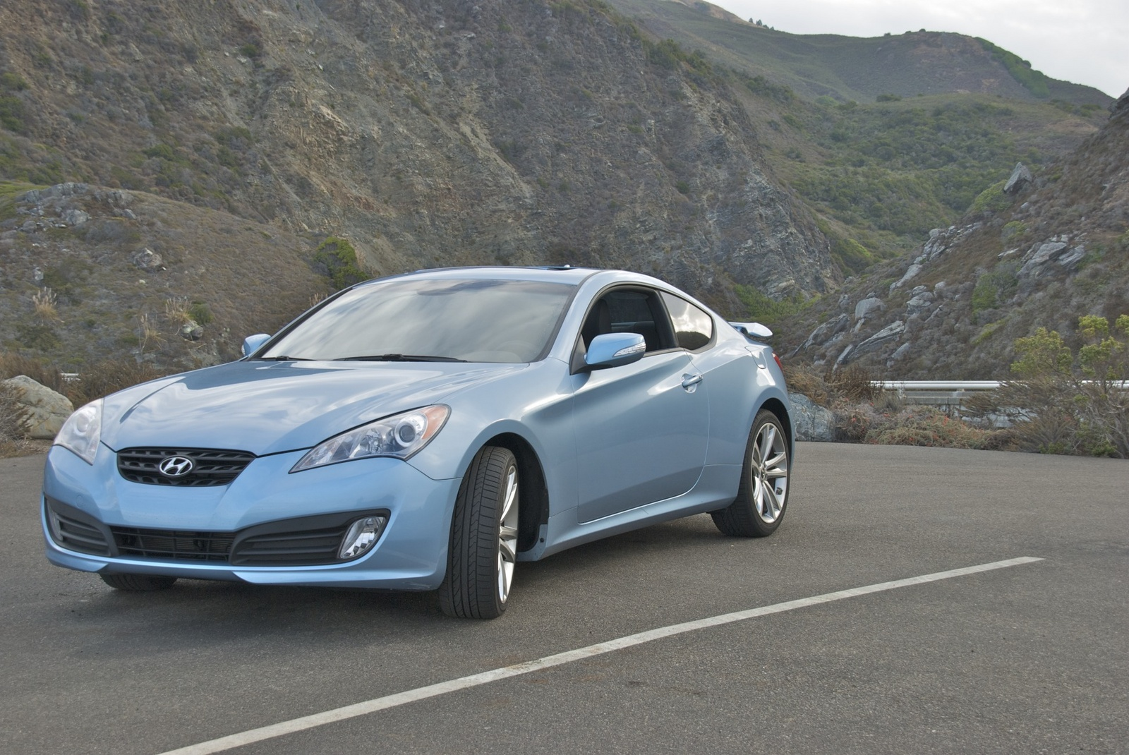 picture of 2010 hyundai genesis coupe 3 8 track exterior. Black Bedroom Furniture Sets. Home Design Ideas