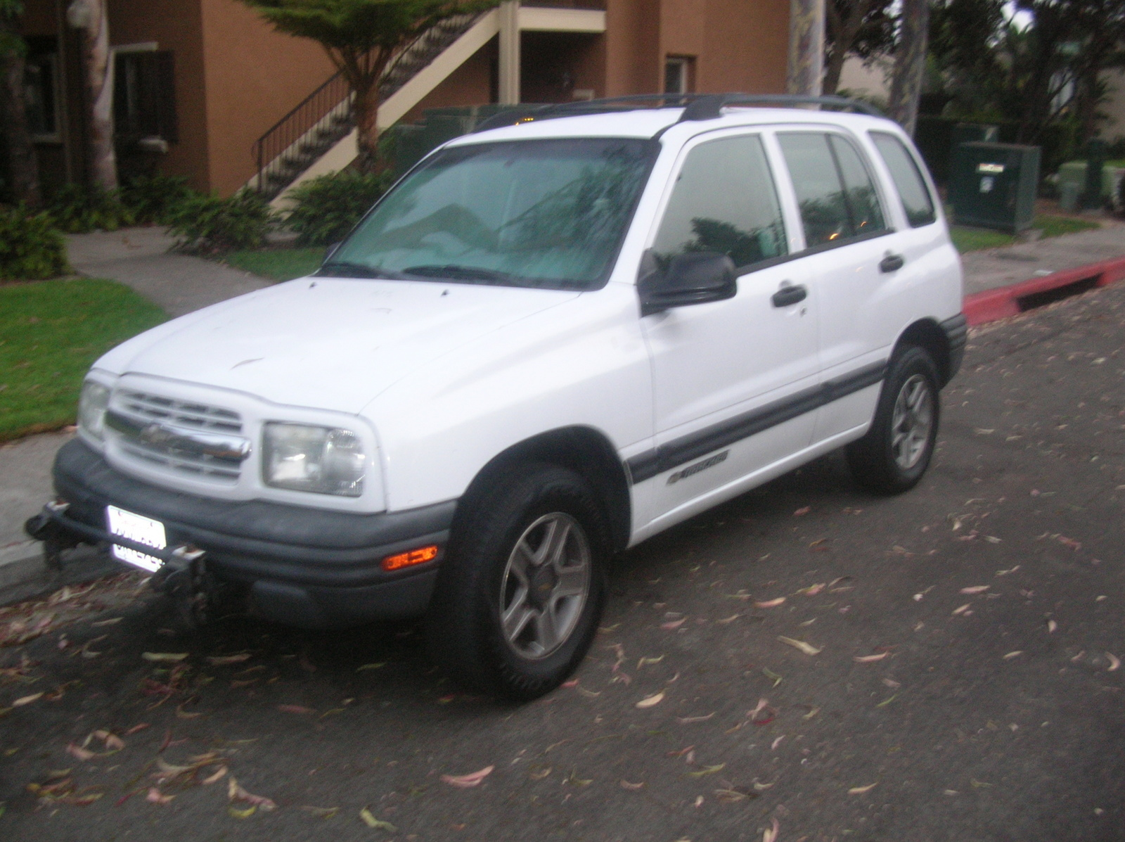 Picture of 2002 Chevrolet Tracker Base 4WD