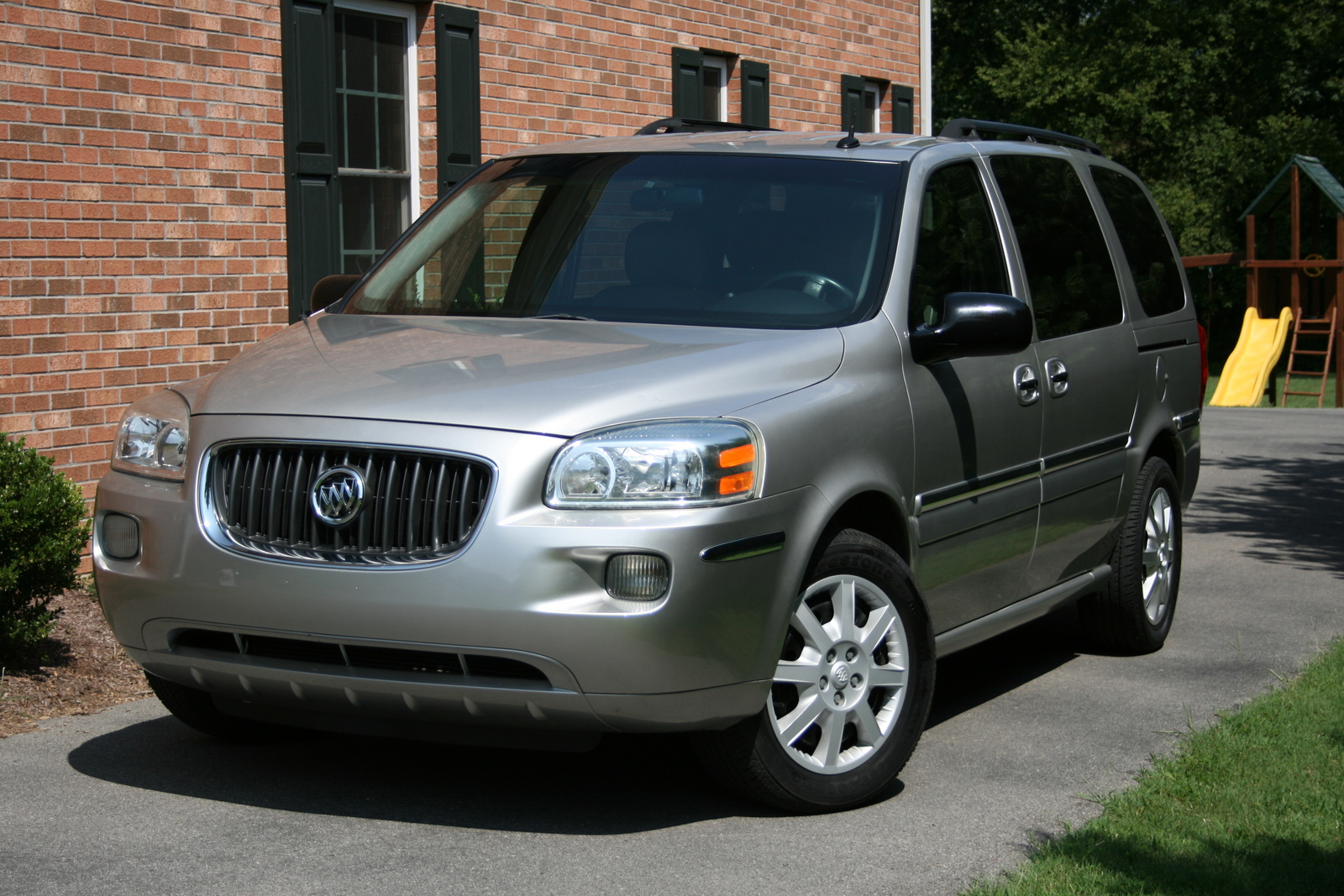 2005 buick terraza exterior pictures cargurus. Black Bedroom Furniture Sets. Home Design Ideas