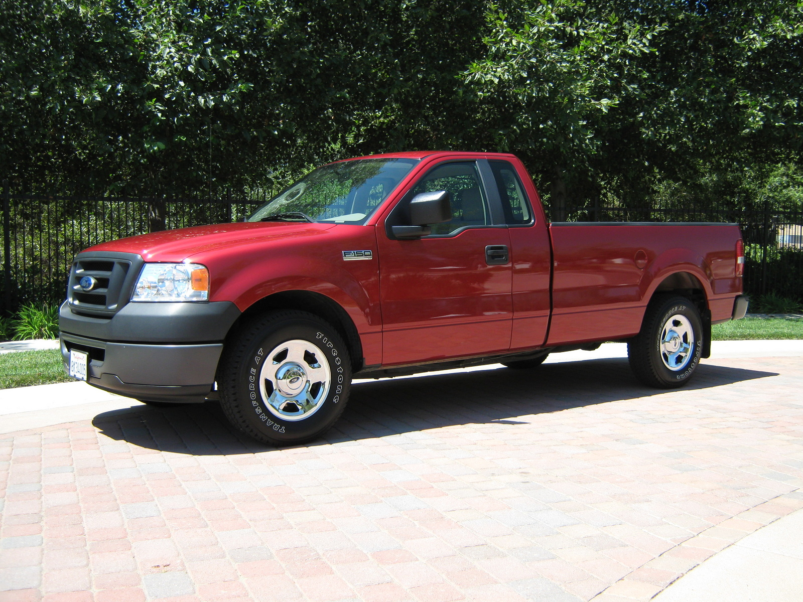used 2009 ford f 150 supercrew features specs edmunds. Black Bedroom Furniture Sets. Home Design Ideas