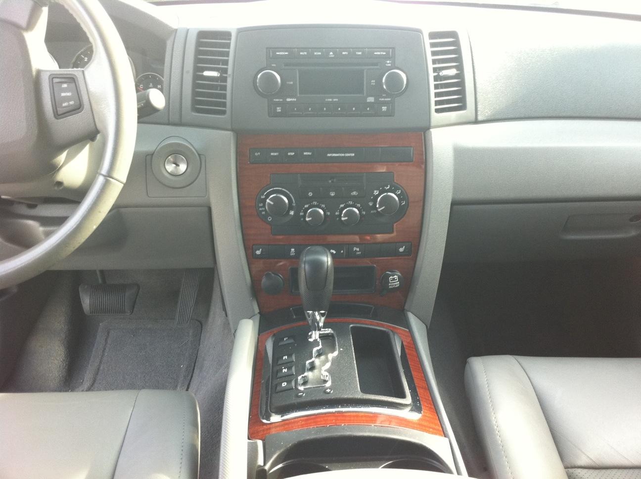 2006 Jeep Grand Cherokee - Interior Pictures - CarGurus