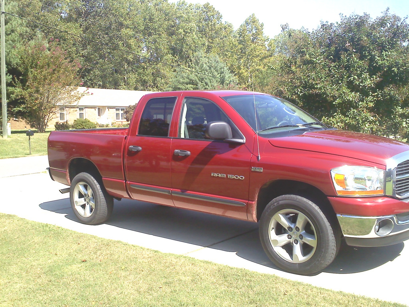 2006 dodge ram pickup 1500 slt quad cab sb 4wd 2006 dodge ram pickup. Black Bedroom Furniture Sets. Home Design Ideas