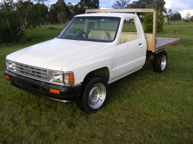 Picture of 1987 Toyota Hilux