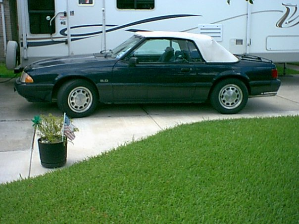 1988 Ford Mustang LX Convertible: Top Up, exterior