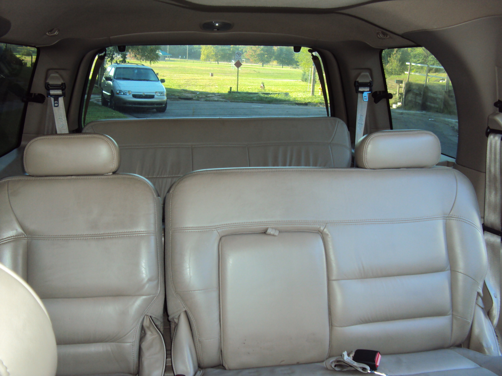 Picture Of 2001 Lincoln Navigator Base 4wd Interior