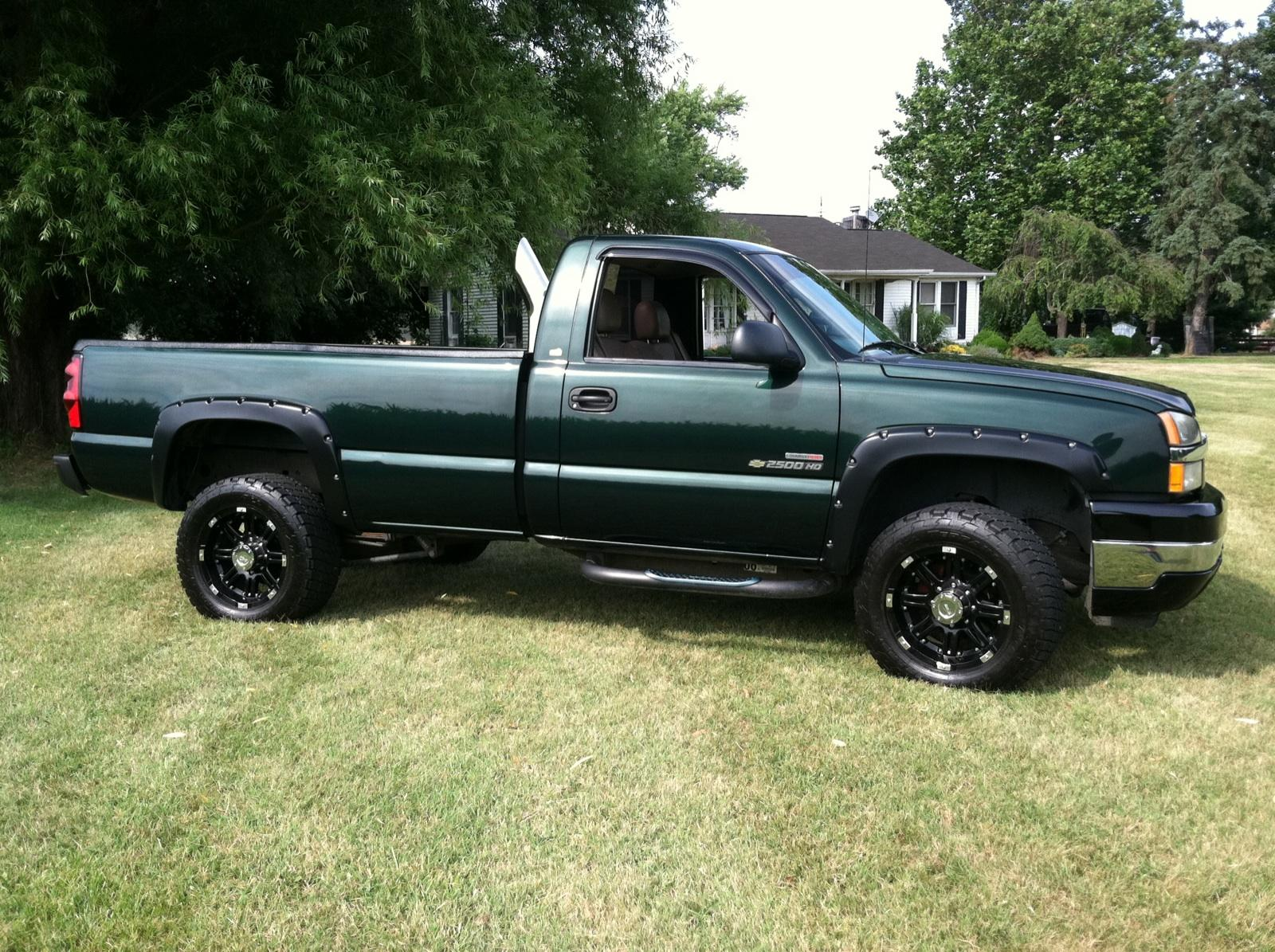 picture of 2004 chevrolet silverado 2500hd 2 dr std standard cab lb hd. Cars Review. Best American Auto & Cars Review