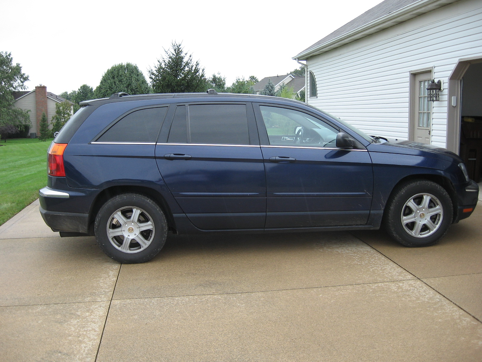 picture of 2004 chrysler pacifica base exterior. Cars Review. Best American Auto & Cars Review