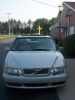 2000 Volvo S70 4 Dr GLT SE Turbo Sedan picture, exterior