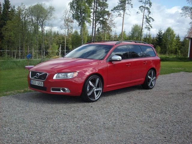 Picture of 2010 Volvo V70