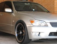 1999 Lexus IS 200 Overview