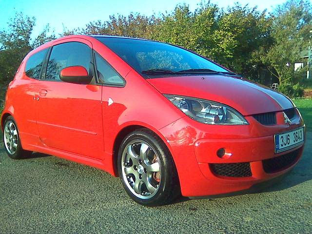 Picture of 2005 Mitsubishi Colt