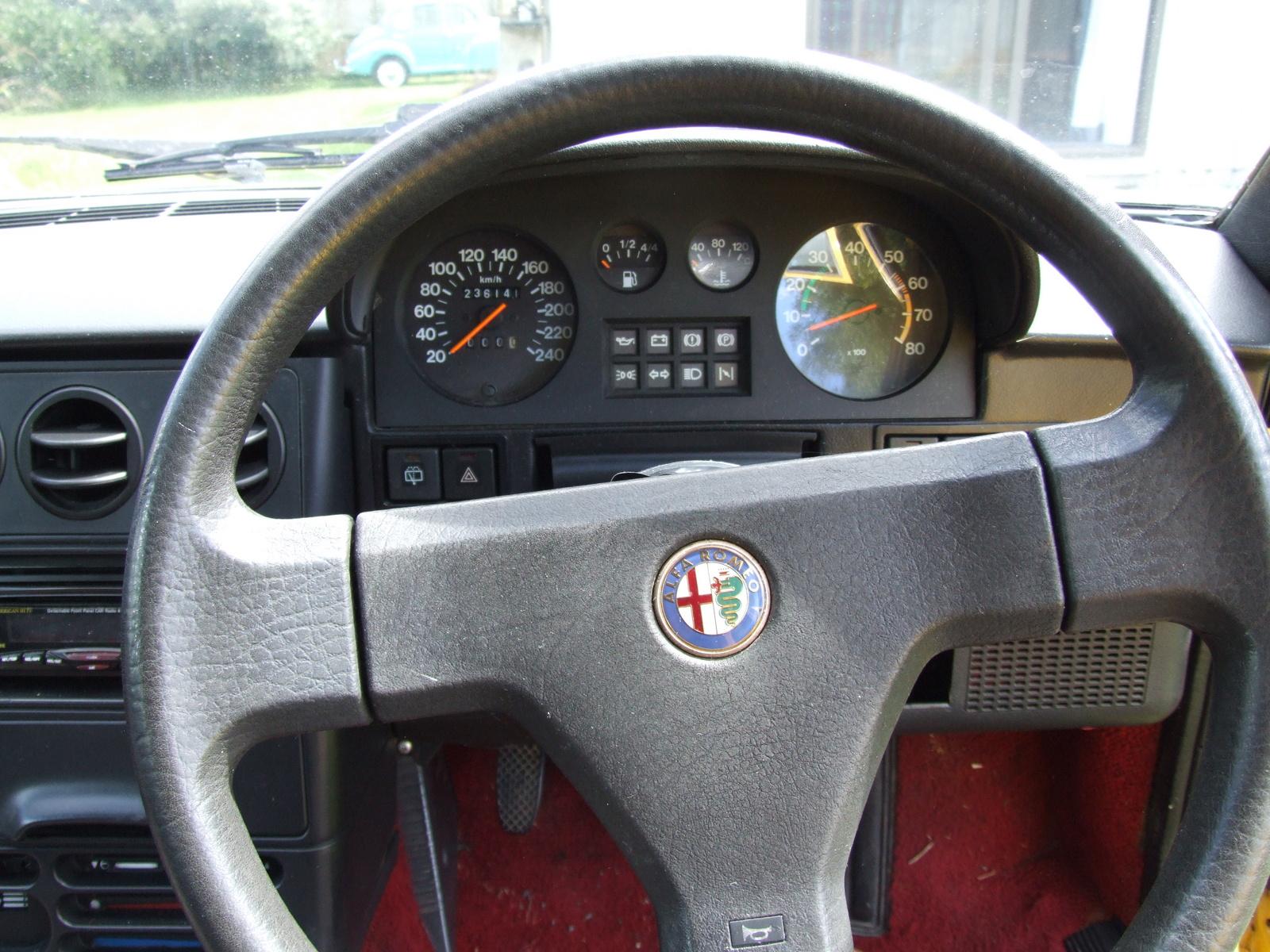 Alfa Romeo Pic on 1983 Alfa Romeo Spider