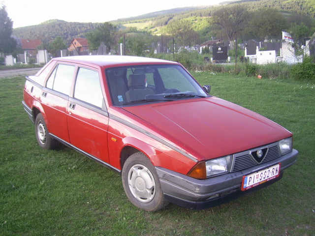 Picture of 1988 Alfa Romeo 75