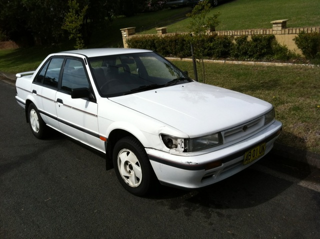 Picture of 1990 Nissan Pintara