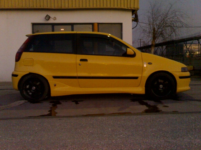 Picture of 1997 FIAT Punto