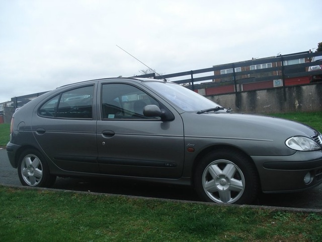 Picture of 2000 Renault Megane