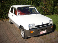 1996 Renault 5 Picture Gallery