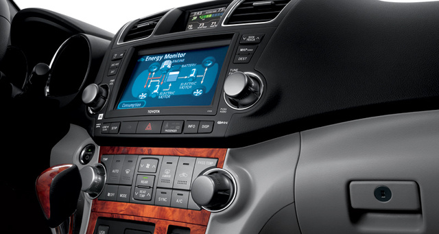 2012 Toyota Highlander Hybrid, Close-up of stereo., interior, manufacturer