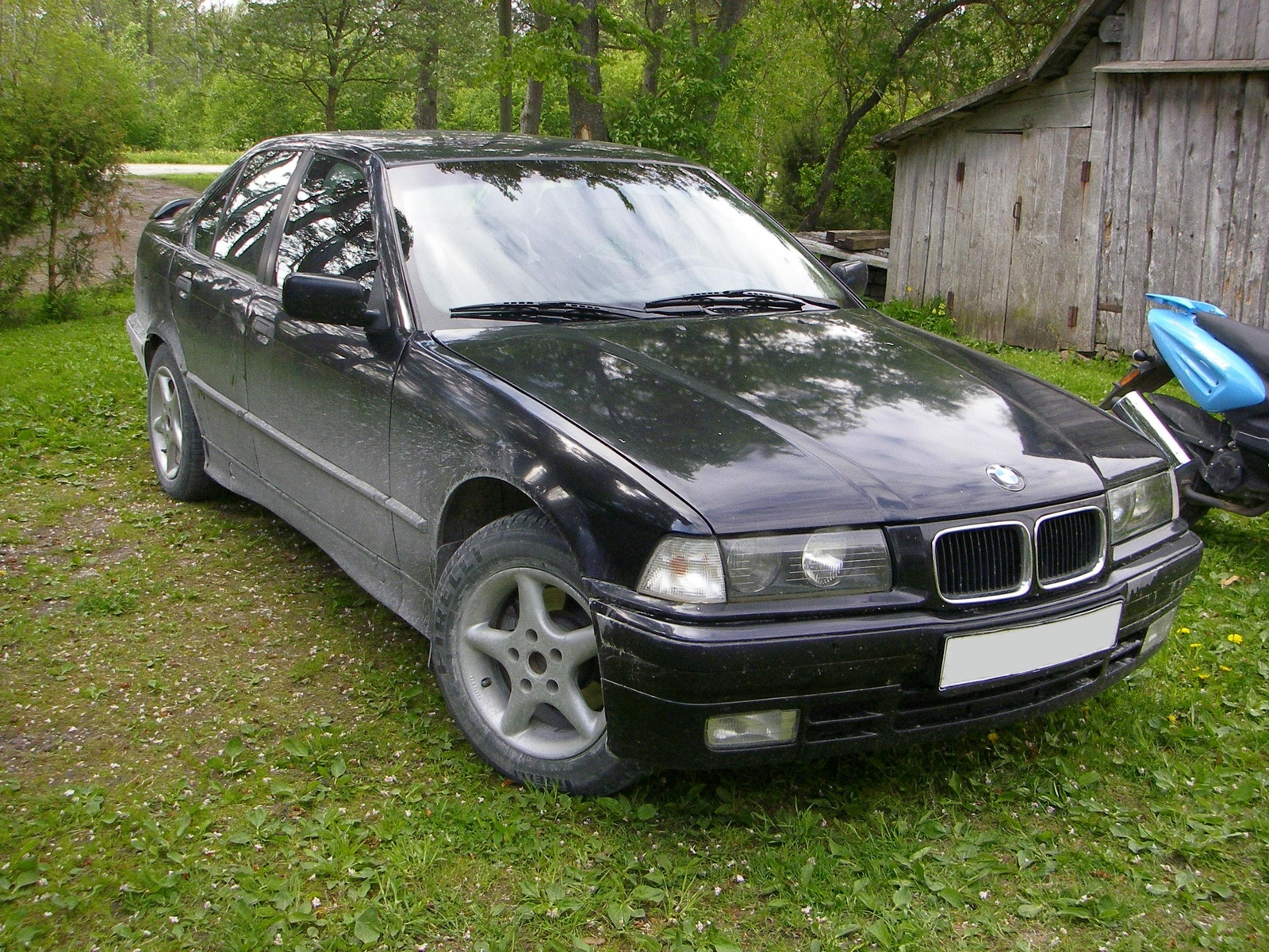 1992 Bmw 3 Series - Overview