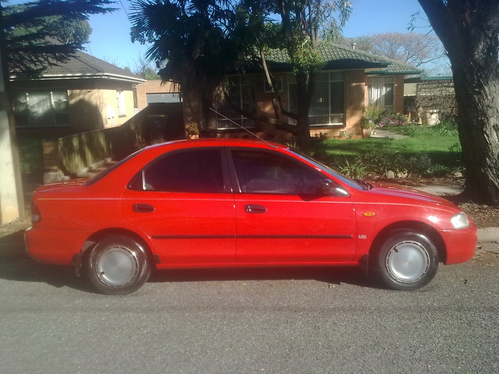 Picture of 1998 Ford Laser