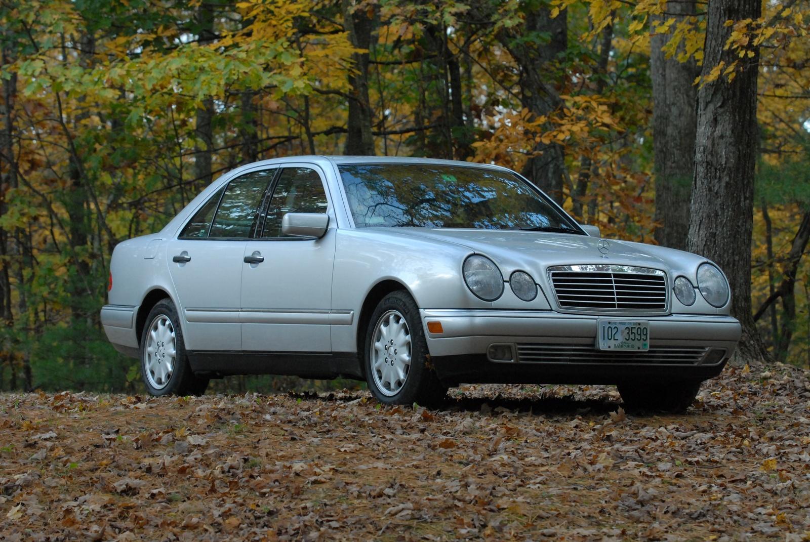 1998_mercedes-benz_e-class_4_dr_e300_sedan-pic-3236732861397403...