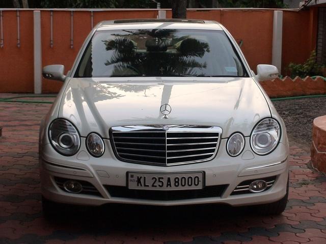Foto de un 2009 Mercedes-Benz E-Class