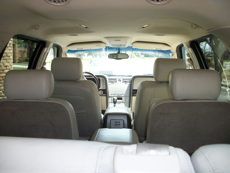 2003 lincoln navigator pictures cargurus. Black Bedroom Furniture Sets. Home Design Ideas