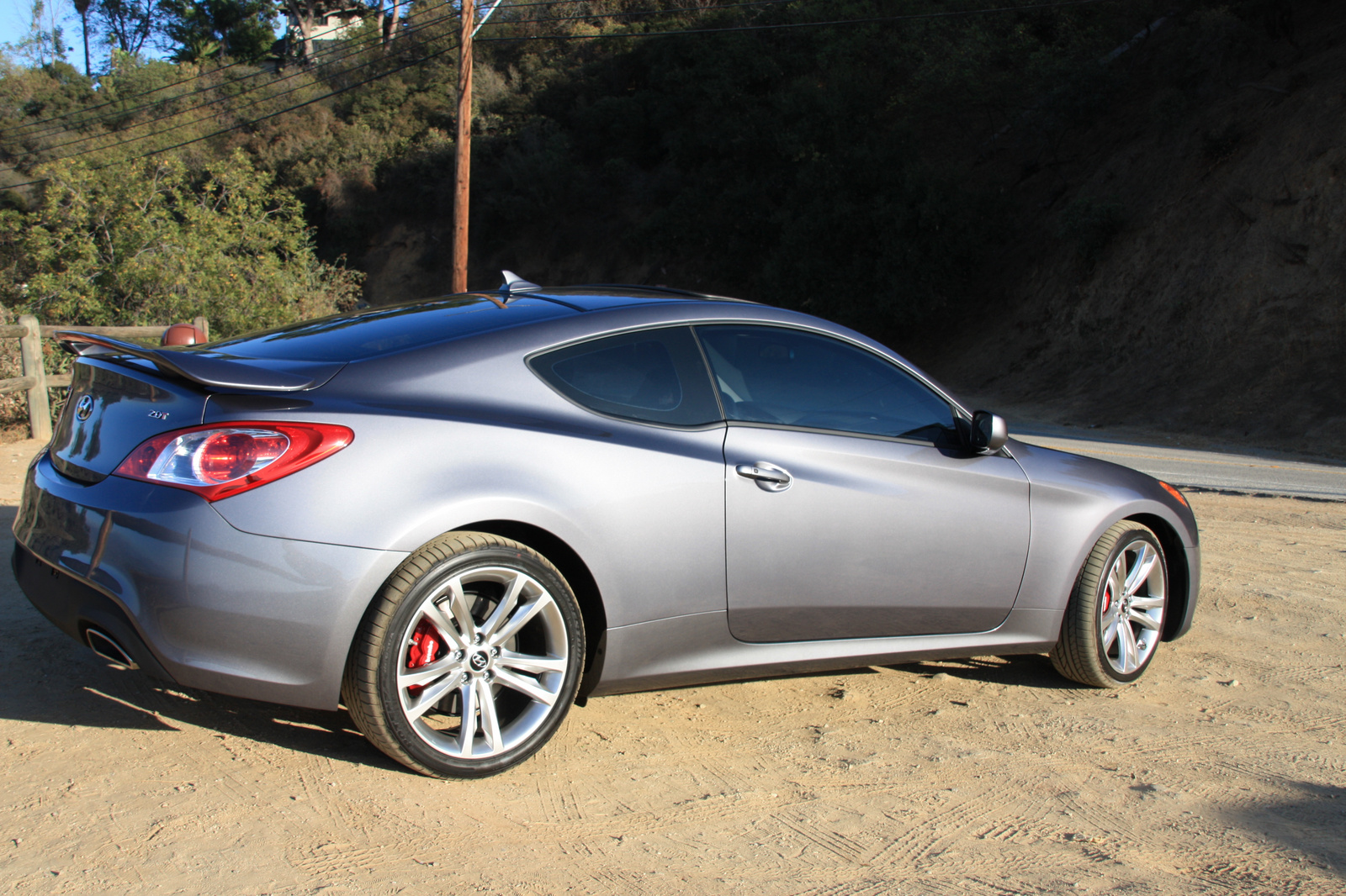 2010 hyundai genesis coupe pictures cargurus. Black Bedroom Furniture Sets. Home Design Ideas