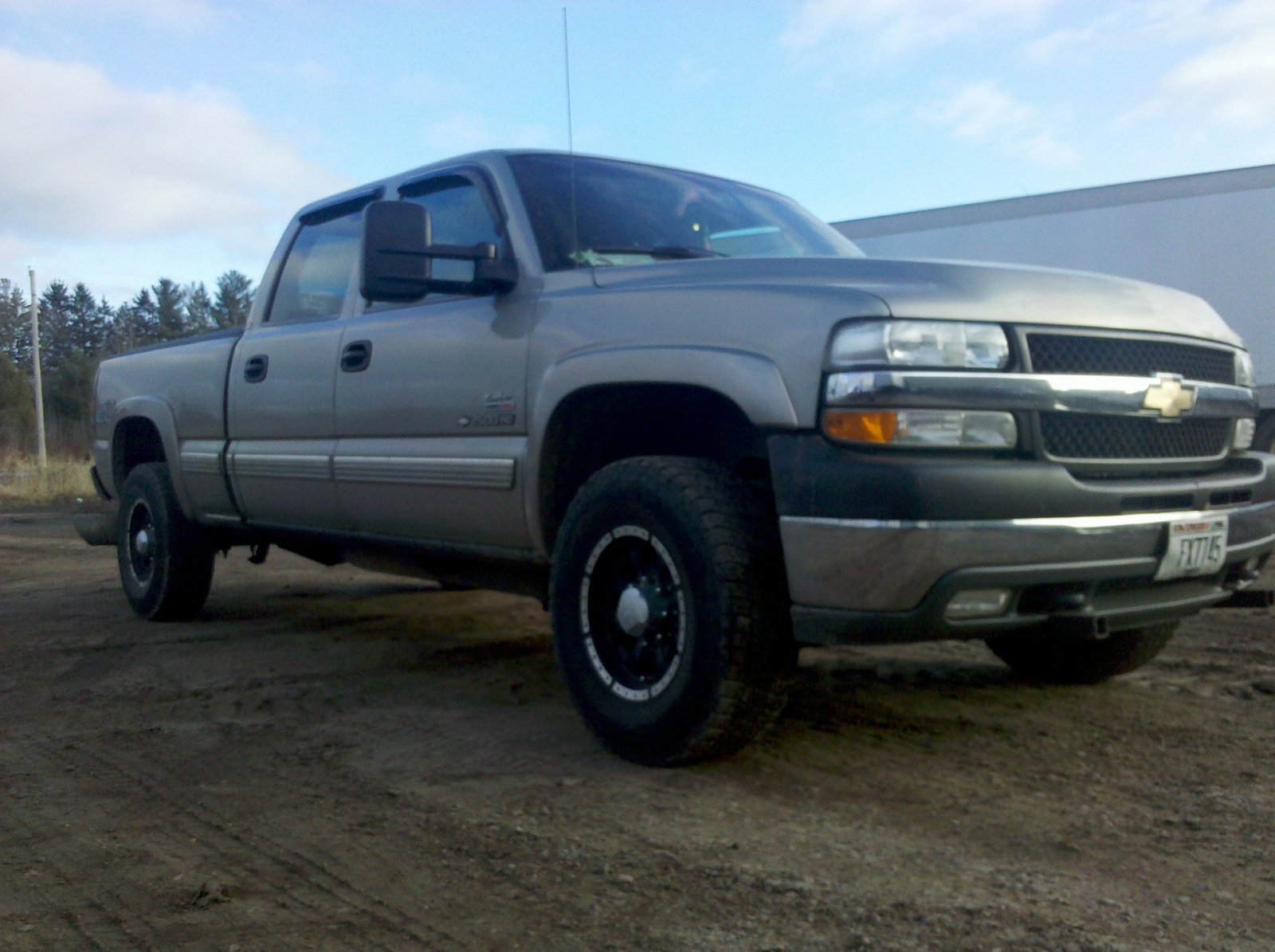 picture of 2001 chevrolet silverado 2500hd ls crew cab 4wd exterior. Cars Review. Best American Auto & Cars Review
