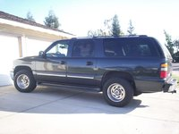 2004 Chevrolet Suburban Picture Gallery